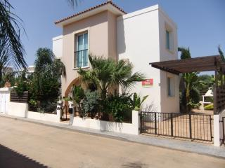 ISABELLE  Private Pool (8x4) fenced - FREE WIFI, Protaras