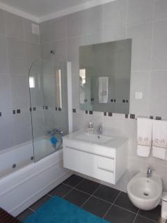 WC Privativo com banheira de hidromassagem
