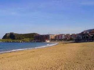 Piso a 50 metros playa Brazomar, piscina y tenis, Castro Urdiales