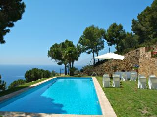 Dream views, Villa for 8, pool, privacy, beach, Sant Feliu de Guixols