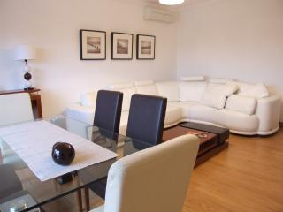 Luxury 2 Bed Apartment, Estoril