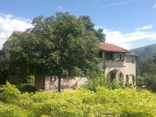 casale degli ulivi - appartamento Civetta, Gualdo Tadino
