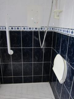 Lowlevel shower