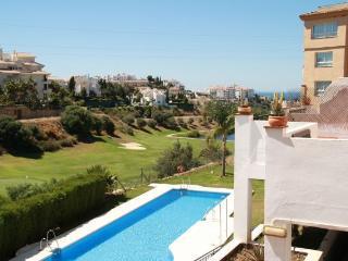 Duplex con golf, mar y sol, La Cala de Mijas
