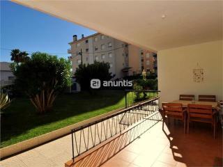 Apartamento a 50 m. de la playa con jardín y WI-FI, Calafell
