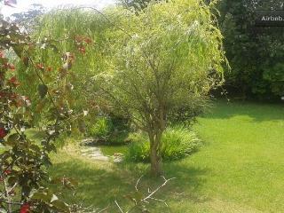 Chalet unifamiliar con amplio jardin privado, Mortera