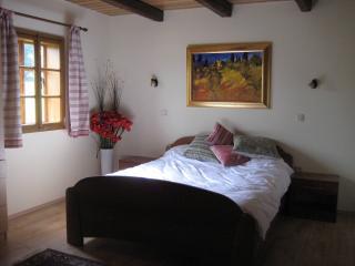 Comfortable double bedroom - Apt 1