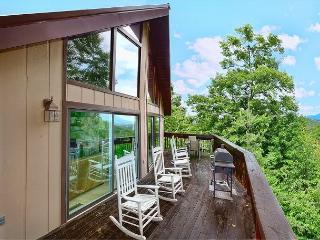 Gatlinburg cabin RED HAWK VIEW 443