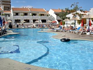 Studio apartment, Playa la Americas, Costa Adeje, heated pool, near beaches
