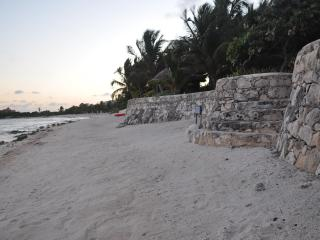 ZenSeaVillas' Zen Del Sol - 8-Bedroom Beach-Front Villa