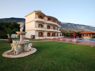 Trapezaki resort-studios