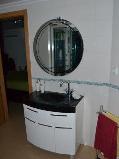 Suite's Toilet
