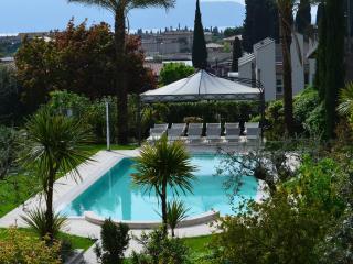 Raffinato appartamento in elegante residence, Toscolano-Maderno