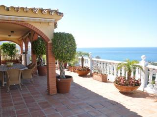Al Fresco Dining on the Terrace