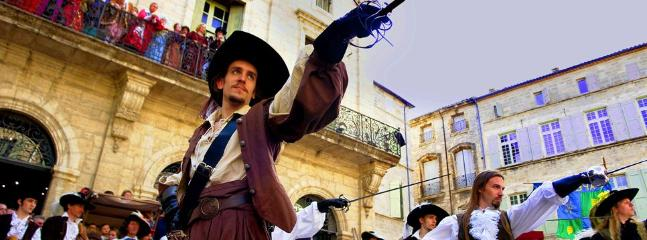 Festivals and street theatre on your doorstep!