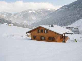 Rear side view on Linga skilift, ski-out every morning