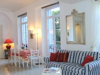 Palais Astoria, Menton, France- 2bed/2 bath Aircon