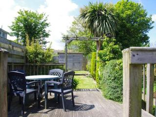 Cosy Cottage Hayle - StIves bay, Superbly equipped, Garden, Walk to beach & town