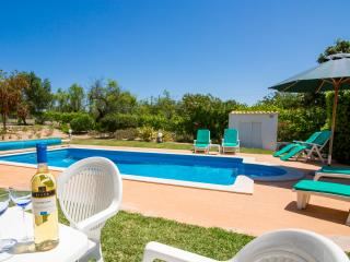 Sit back, relax and just enjoy your own piece of Portuguese paradise.....