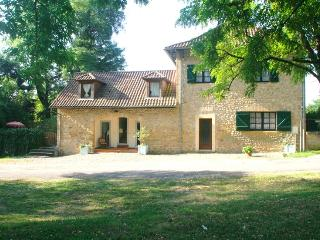 Gite Primevere with own private patio 5km Sarlat or 3km La Roque- Gageac, Vitrac