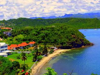 4 BR Beauty on 300ft of Sandy, Private Beach, Lance aux Epines