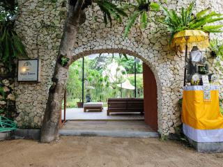 Welcome to THE VILLA SANUR