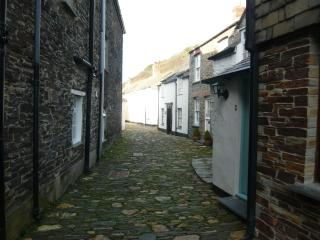 Valency Row