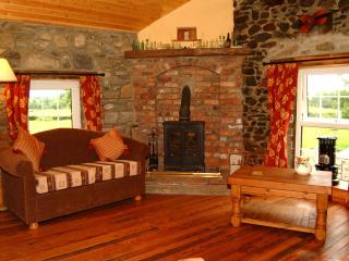 254 Year Old The Loft Cottage & Cosy Lounge Internet TV Wifi & Woodburning Stove