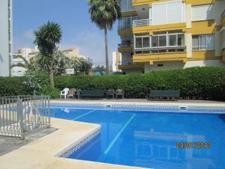 Apartamento con aire acondicionado, WIFI y piscina, Torre del Mar
