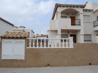 La Cinuelica R14, first floor apartment in Calle JH Alhamed, Los Altos