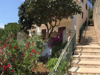 Hvar- Napoleon Apartments**** Prices from €35.00