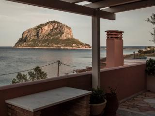 Superior Studio with large balcony with sea view, Monemvasia