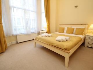 2 Bed Ground Floor Apartment, London