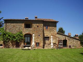 Independent villa with pool in Siena countryside