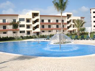 Encosta Da Marina - 3 Bedroom Ground Floor Apt -Sleeps 6, Lagos