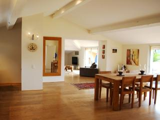 Vast, light open plan dining / kitchen / living area. All fully air-conditioned.