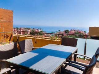 Holiday Penthouse in Las Salinas Estepona