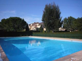 Garden apartment with A/C, Wi-Fi, pool & tennis 7km from Cannes - Quiet Domaine