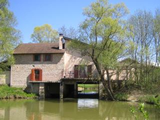 Beautiful cosy watermill in Burgundy, Montpont-en-Bresse
