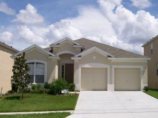 Lovely Harmony Haven has a Gameroom, WiFi, and Air Conditioning, Kissimmee