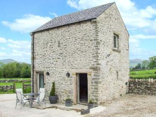WORTLEY BARN, patio with furniture, great base for walking, Ref 914110, Hazlebadge