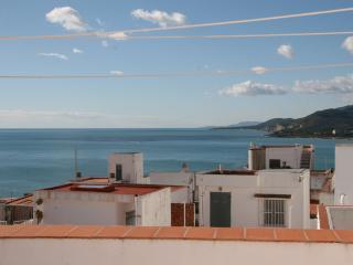 Vista desde terraza costa sur y calas Sierra de Irta