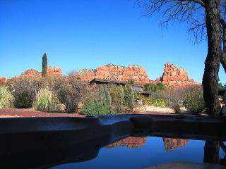 Reviews say It All, Red Rock Views, Hot tub, All Amenities In Kitchen Thru Out