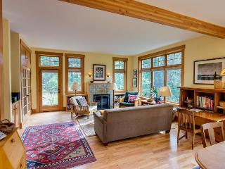 Lovely Craftsman-style home w/ tranquil views & nearby beach access!, Eastsound