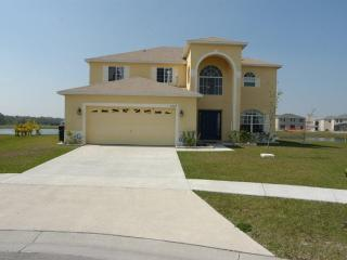 Whispering Palms, Stunning Kissimmee Rental Home, twenty minutes Disney.