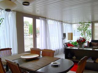 Klaziena Houseboat, Ámsterdam