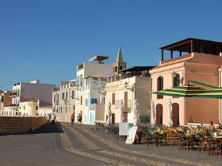 The Old Town Den, Alghero