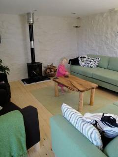 Light, airy lounge with underfloor heating, log burning stove, MP3 plugin with ceiling speakers