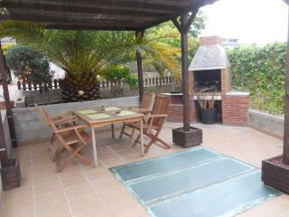 PISCINA PRIVADA,BARBACOA,JARDIN