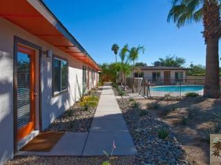 LUXURY PALM SPRINGS VILLAS !  Close to downtown, Palm Springs